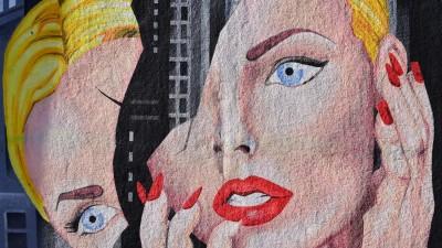 AN ART DEALER GIRL IN PARIS
